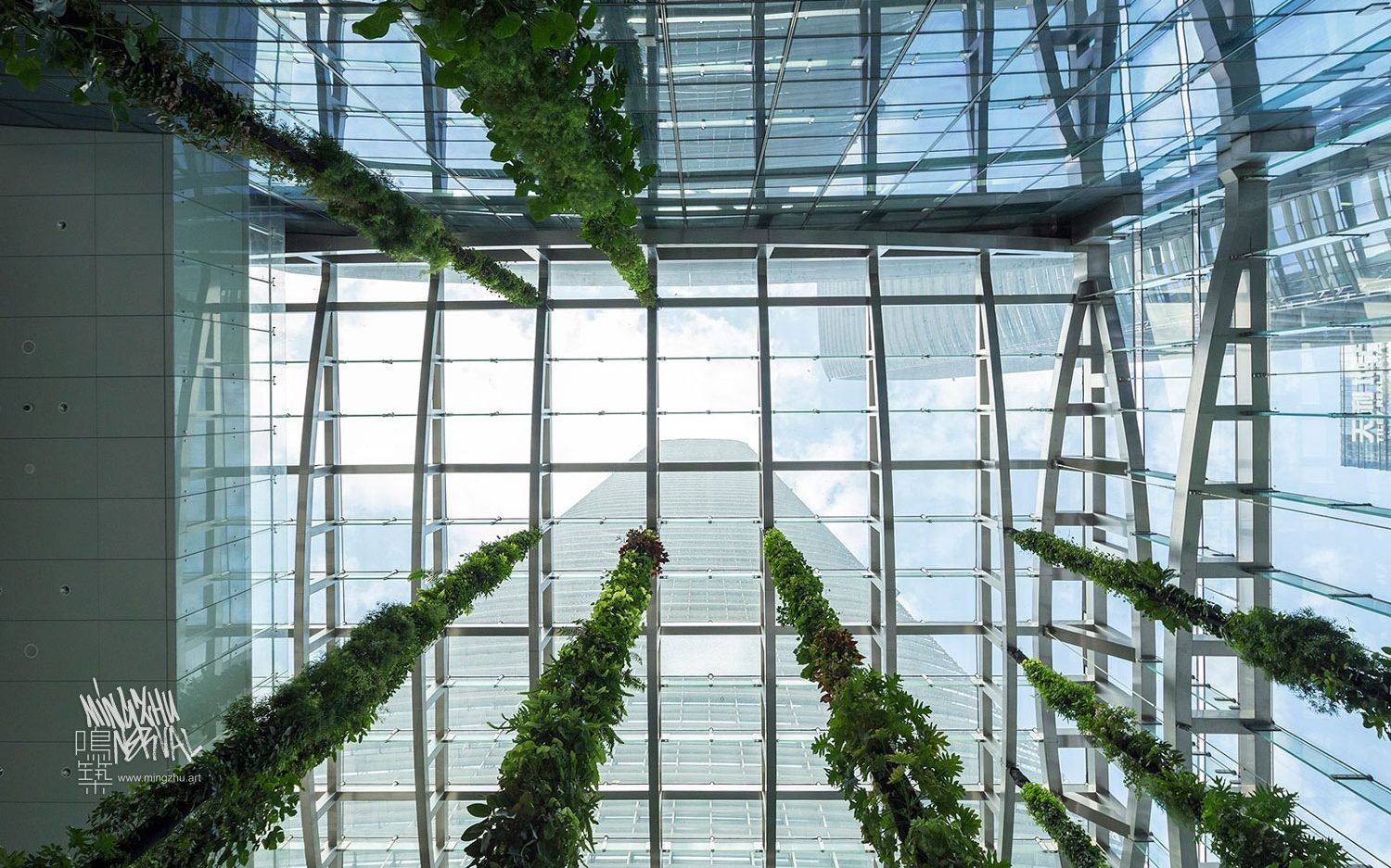 At Mingzhu Nerval, we thrive at creating the most beautiful vertical gardens in the world. For the SCC Tower, we created an impressive living wall design - Shenzhen, 2016.