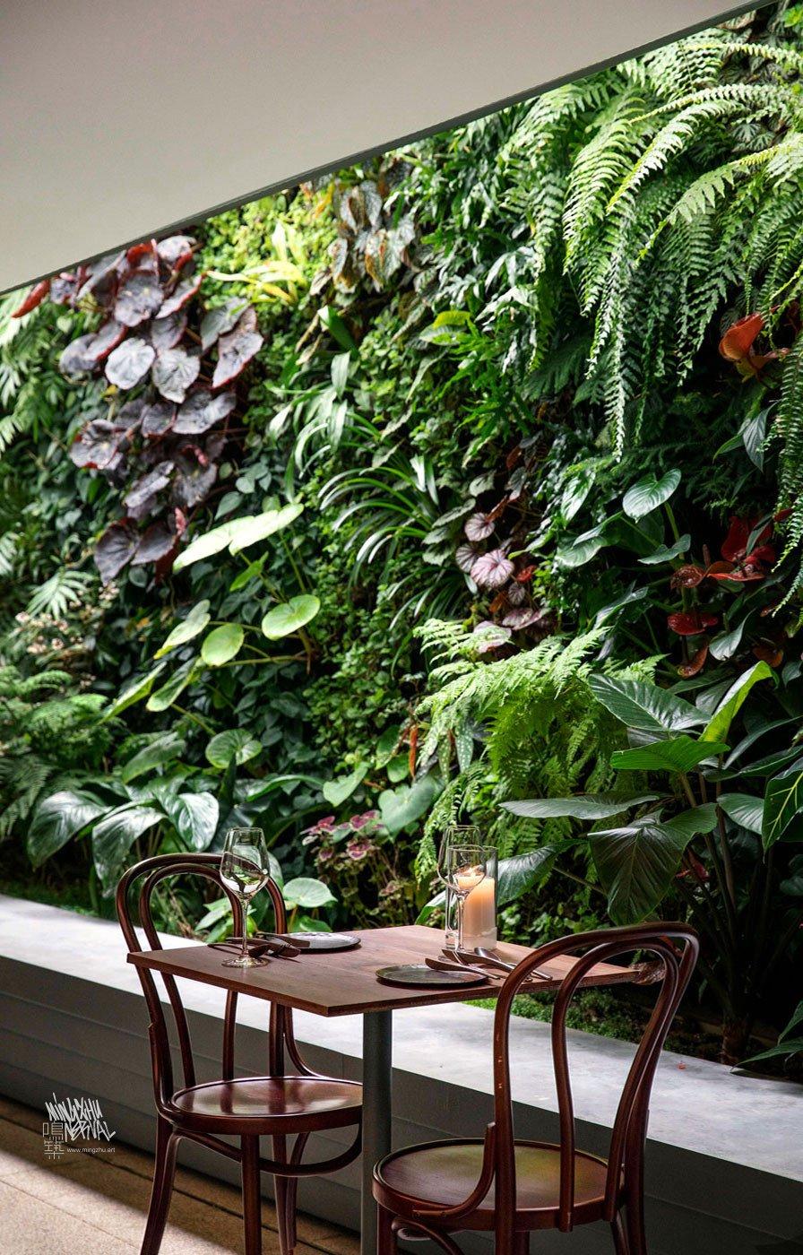 Mingzhu Nerval vertical living wall experts created the best garden design art for the Bloom restaurant in Shanghai, 2018