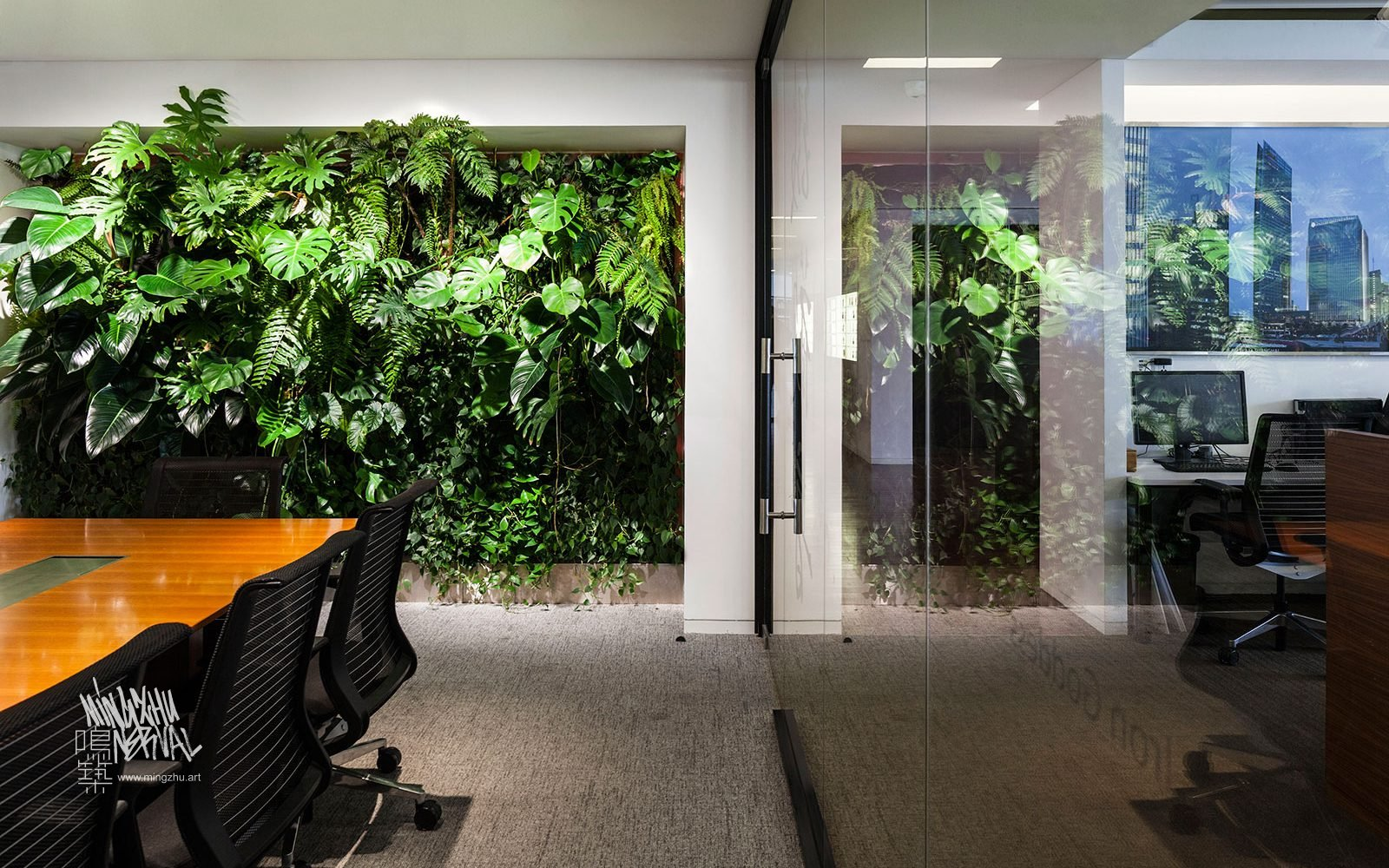At Mingzhu Nerval, we thrive at creating the most beautiful vertical gardens in the world. For Gensler, we created a healthy workspace design - Shanghai, 2017.