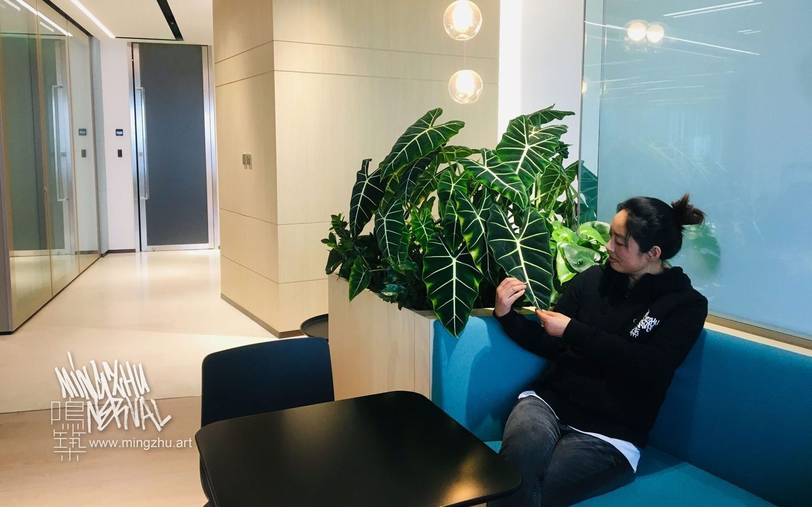 Mingzhu Nerval vertical living wall experts created a healthy nature workspace at Khazanah Nasional in Shanghai, 2018