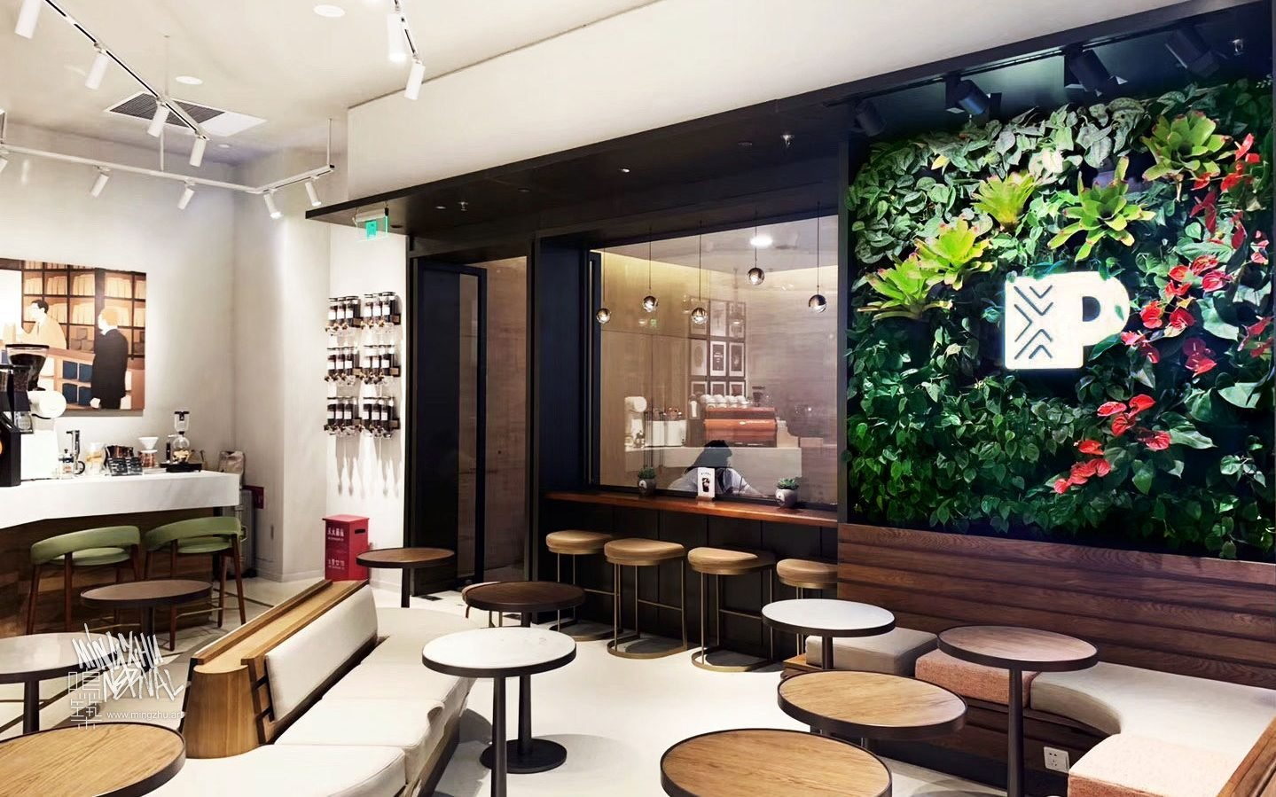 At Mingzhu Nerval, we thrive at creating the most beautiful vertical gardens in the world. For Peet's Coffee, we created a Californian living wall design – Hangzhou, 2019.