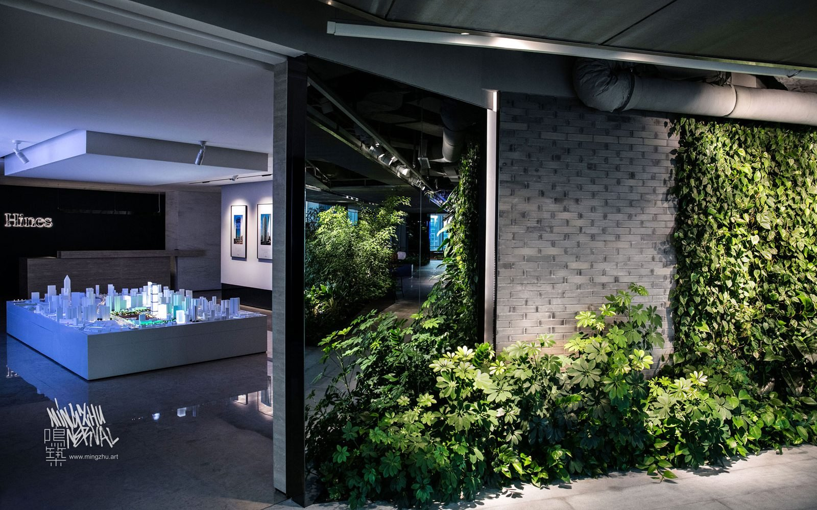 At Mingzhu Nerval, we thrive at creating the most beautiful vertical gardens in the world. For Hines, we created a pleasant living wall design – Shanghai, 2016.